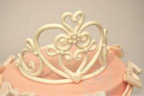 Lo Zuccherino Magico: Come fare una corona in pasta di zucchero