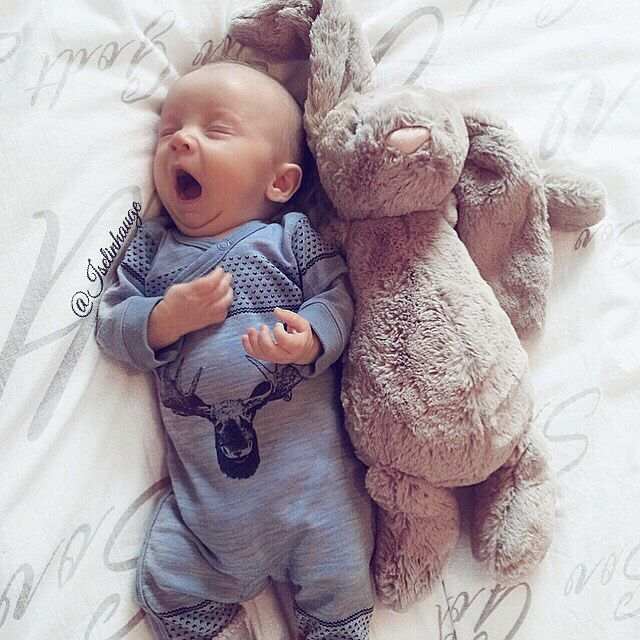 ✨ G O O D  N I G H T ✨  #goodnight #justbaby #loveyou #babyboy #jollyroom #jellycatbunny #tb #hustandclaire #sleepingbeauty #sweetdreams