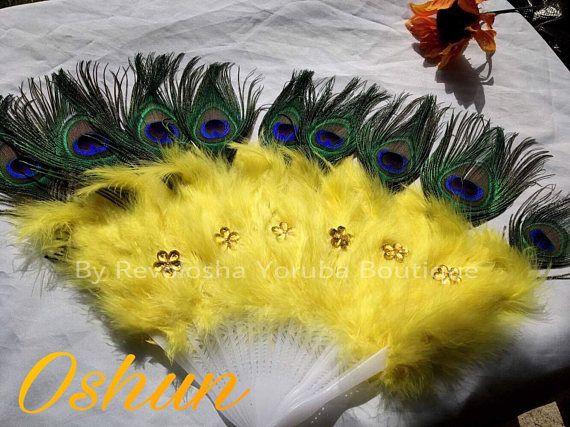 Hecho a mano Color principal: Amarillo Color secundario: Amarillo Material: Plumas