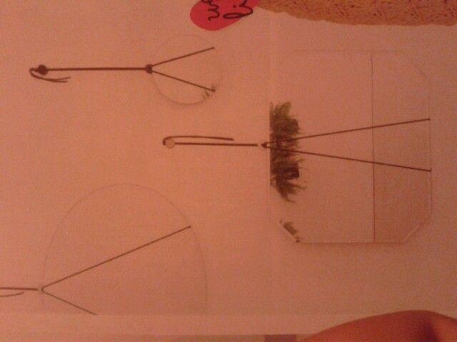Spiegels ophangen, bijv. roze touw