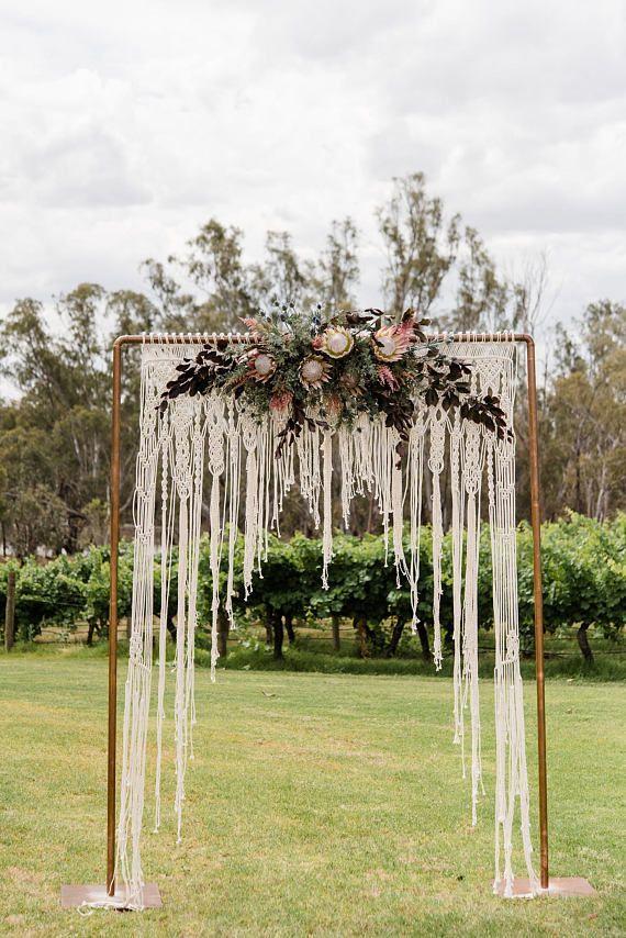 Makramee-Hochzeits-Hintergrund-Lauben-Bogen-Zeremonie-Hintergrund Boho #wedding   – Wedding   Advice From a 30 Something
