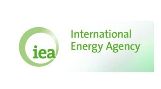 http://electromatix.pl/mae-wegiel-wciaz-bedzie-glownym-elementem-produkcji-swiatowej-energii-elektrycznej/  – Węgiel, obok odnawialnych źródeł, będzie głównym elementem produkcji światowej energii elektrycznej – prognozuje Maria van der Hoeven z Międzynarodowej Agencji Energetycznej. Podobnie będzie też w Polsce, gdzie obecnie produkcja prądu i ciepła oparta jest w ponad 90 proc. na węglu.