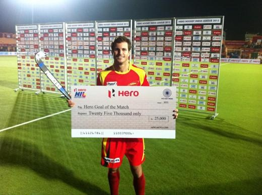 Austin Smith of #RRHC Wins Goal Of The Game for his strike against Mumbai #HIL #CurryHockey