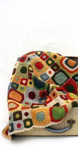Crochet circle in square blanket