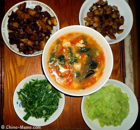 My parents' lunch in China:) Photo links to recipe for Chinese Duck Potato. www.china-memo.com #recipe #chinesefood #homecooking