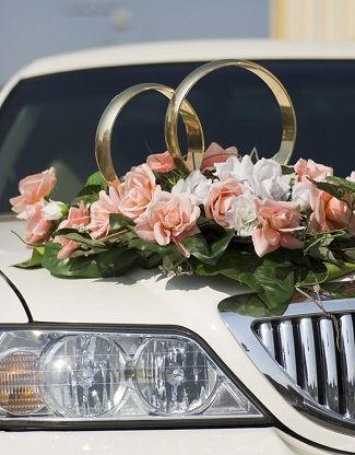 "Gorgeous ""Wedding Rings"" Car Decor - Wedding Car Decoration Pictures"