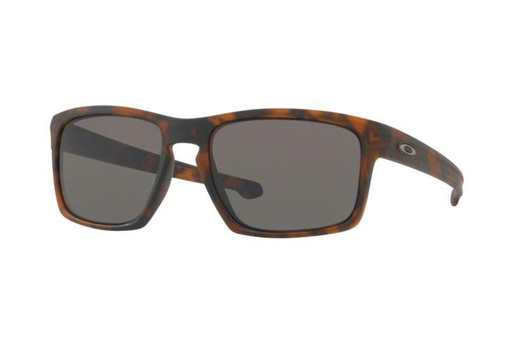 Oakley Silver OO9262 03 Sonnenbrille in matte brown tortoise | Manche Sonnenbrillen schützen Ihre Augen, andere schützen Ihr Image. Oakley-Sonnenbrillen schützen Beides. Ein Stil für jeden Geschmack, mit der Technologie für jeden Bedarf. Sonnenbrillen für jede Situation.Gönnen Sie sich eine...