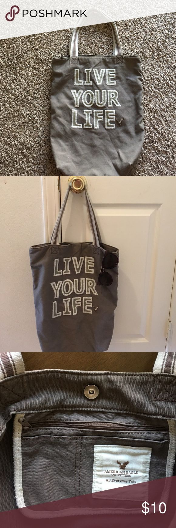 AE Everyday Tote American Eagle Outfitters American Eagle Outfitters Bags Totes