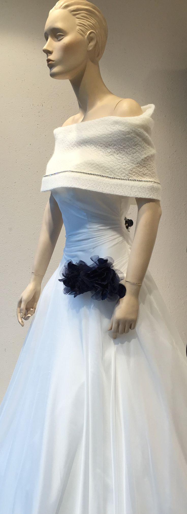 Modello Rubino...non un tocco di blu! Cosa ne pensate? Alessandro Tosetti Www.tosettisposa.it Www.alessandrotosetti.com #abitidasposa #wedding #weddingdress #tosetti #tosettisposa #nozze #bride #alessandrotosetti