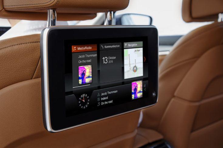 2017 BMW 5-Series rear seat display.