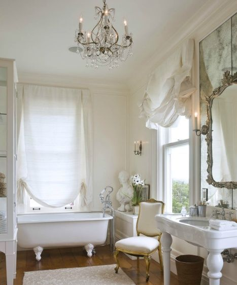 Lovely Shabby Chic Bathroom