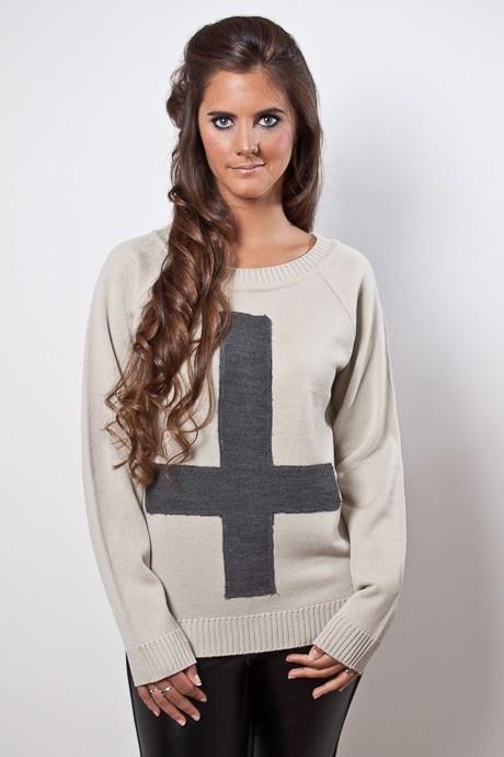 Sweater con cruz http://buenca.com/productos/60-sweater-delantera-con-cruz.html#/talles-s/color-beige