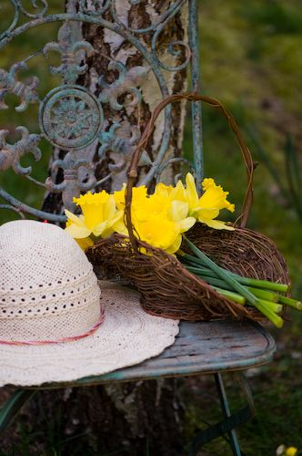 17 Best 1000 images about Garden Hats on Pinterest Gardens In the