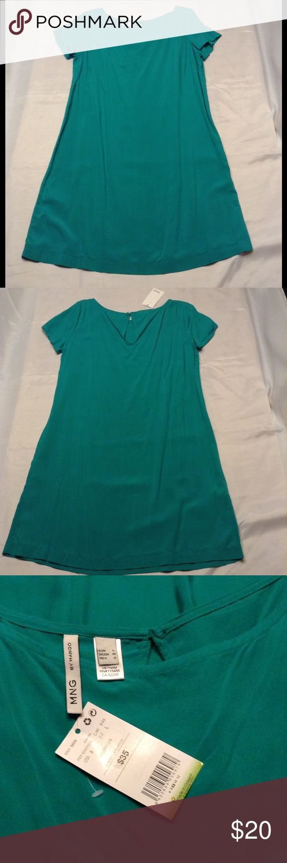 MNG by Mango Green Shift Dress MNG by Mango Green Shift Dress  Green Color Lightweight Material Size M(Label) MNG By Mango Dresses
