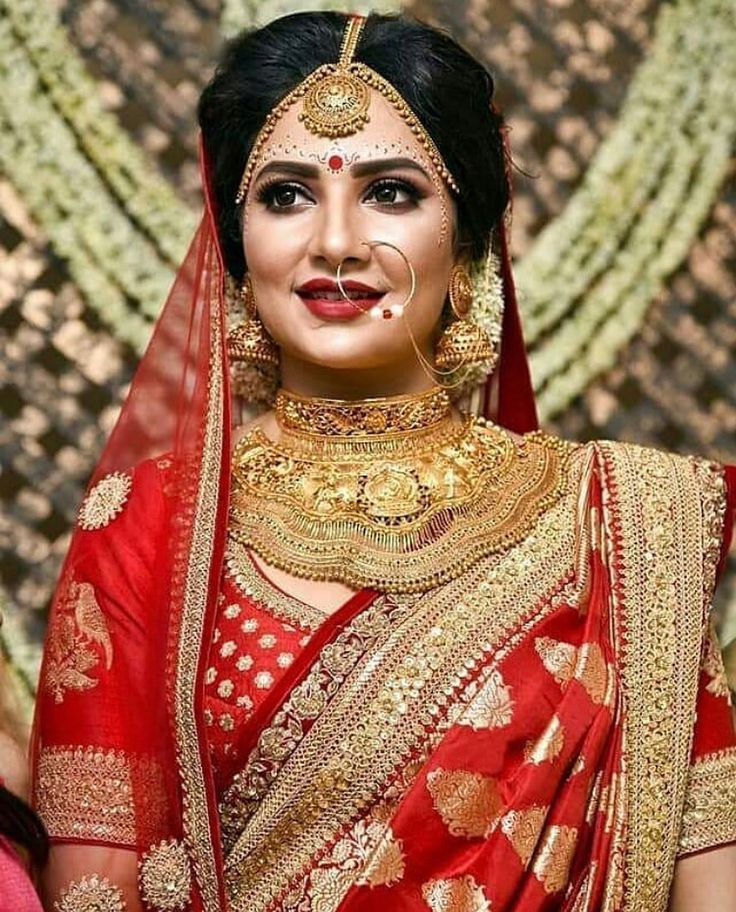 5feb2fbd0a Do you want to know check out latest Sabyasachi Bridal collections? Do you  want your sabyasachi bridal lehenga red or sabyasachi bridal white gold  lehenga?