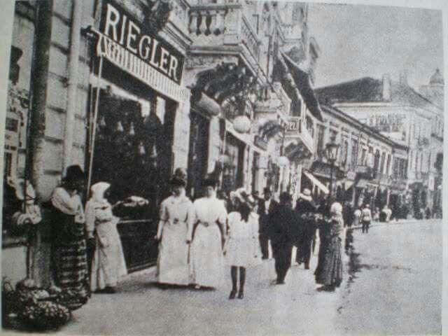 """""""Buricul orasului: Lipscani"""", acum 110 ani. O poveste de fotografie, nu?"""