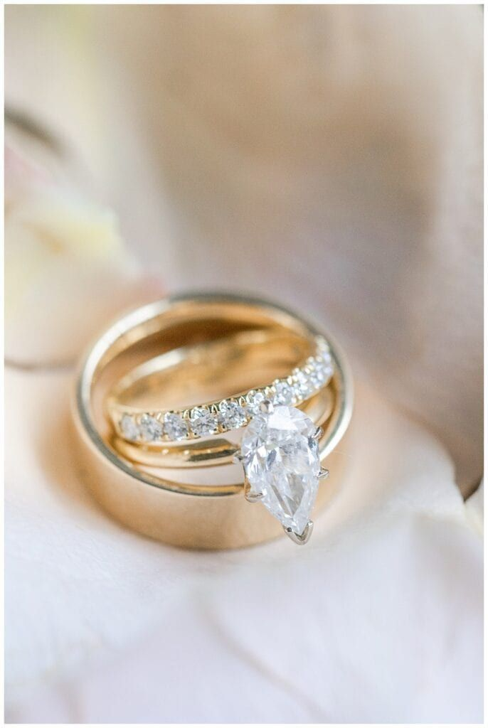 A Christmas Elopement At The City Hall In 2020 Wedding Ring Photography Stylish Engagement Rings Minimal Wedding Rings