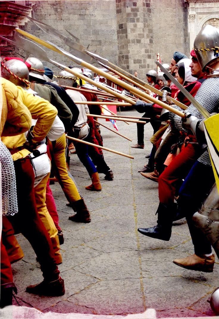 Rievocazione aragonese Napoli, presso Castelnuovo #SeggioPeriglioso #NapoliAragonese  #AragonesiNapoli #RievocazioneAragonese