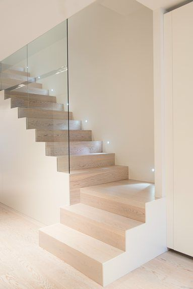Glass stairs staircase escaliers en verre luxe luxueux luxurious luxurious residence des…