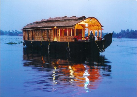 Night Stay in Houseboat