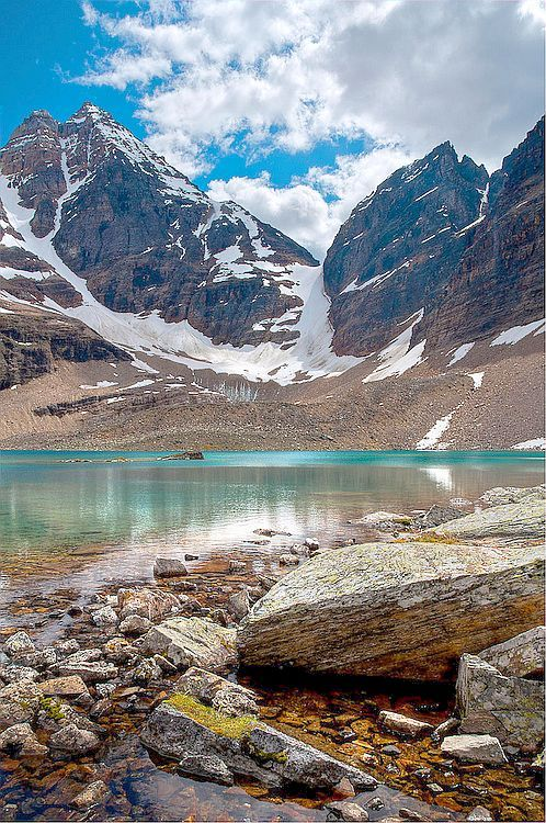 ✯ Lake Oesa, Yoho National Park, Canada