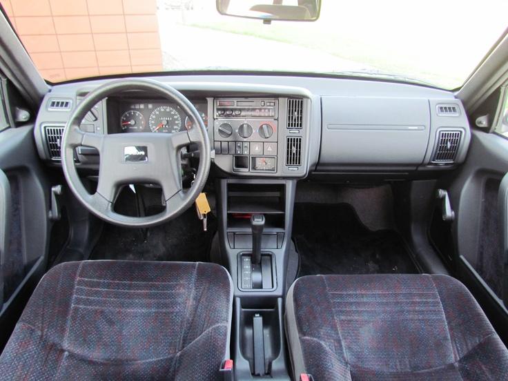Interieur bijzonder goed onderhouden Volvo 440 bouwjaar 1995 / eigenaar Volvo dealer Harrie Arendsen Doetinchem, Ruurlo en Zevenaar.