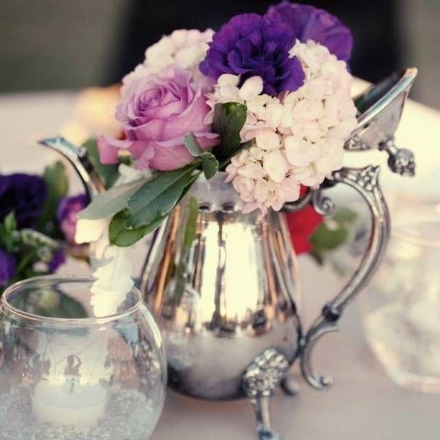 Centrotavola con fiori e argento
