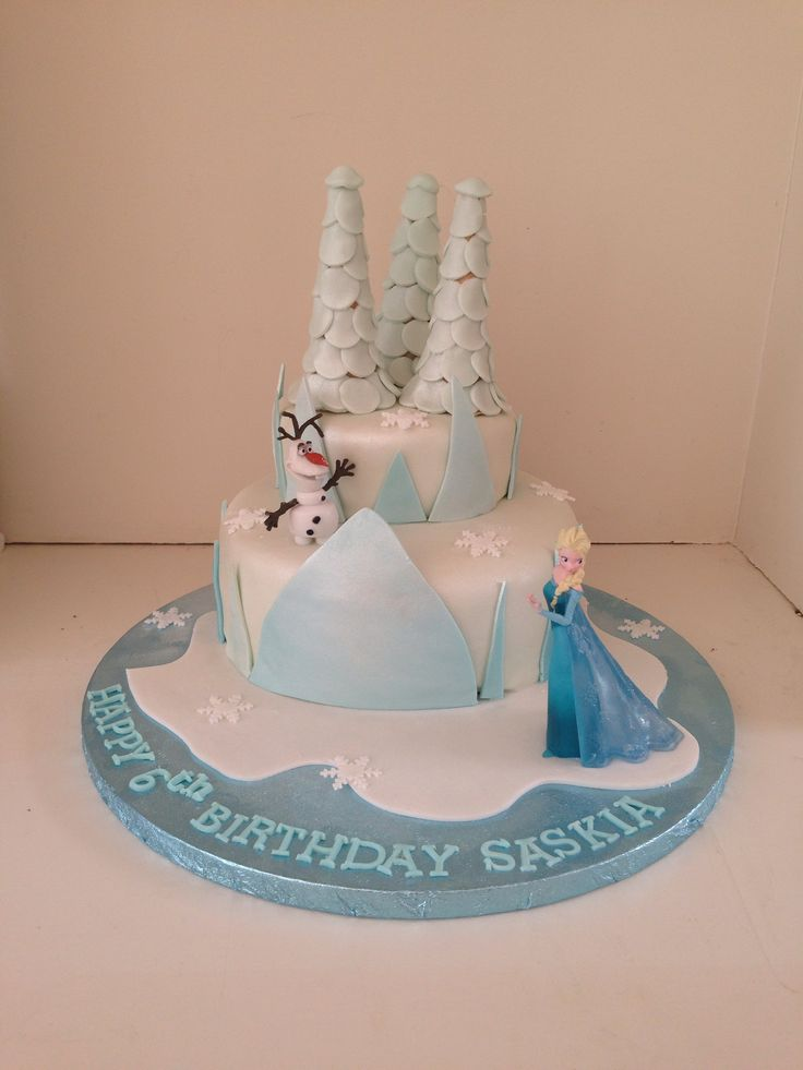 Frozen ice castle cake with Elsa and Olaf by Boutique Bakehouse www.boutiquebakehouse.co.uk