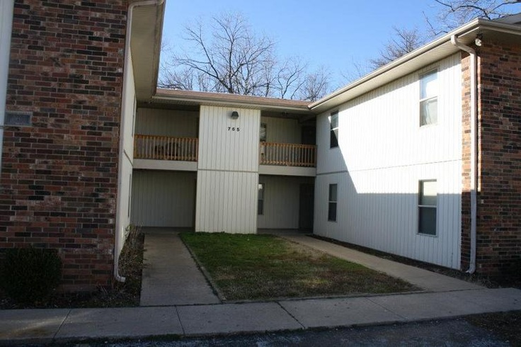 765 South Street Apartments Springfield, MO  *Walking distance to Springfield's Downtown!
