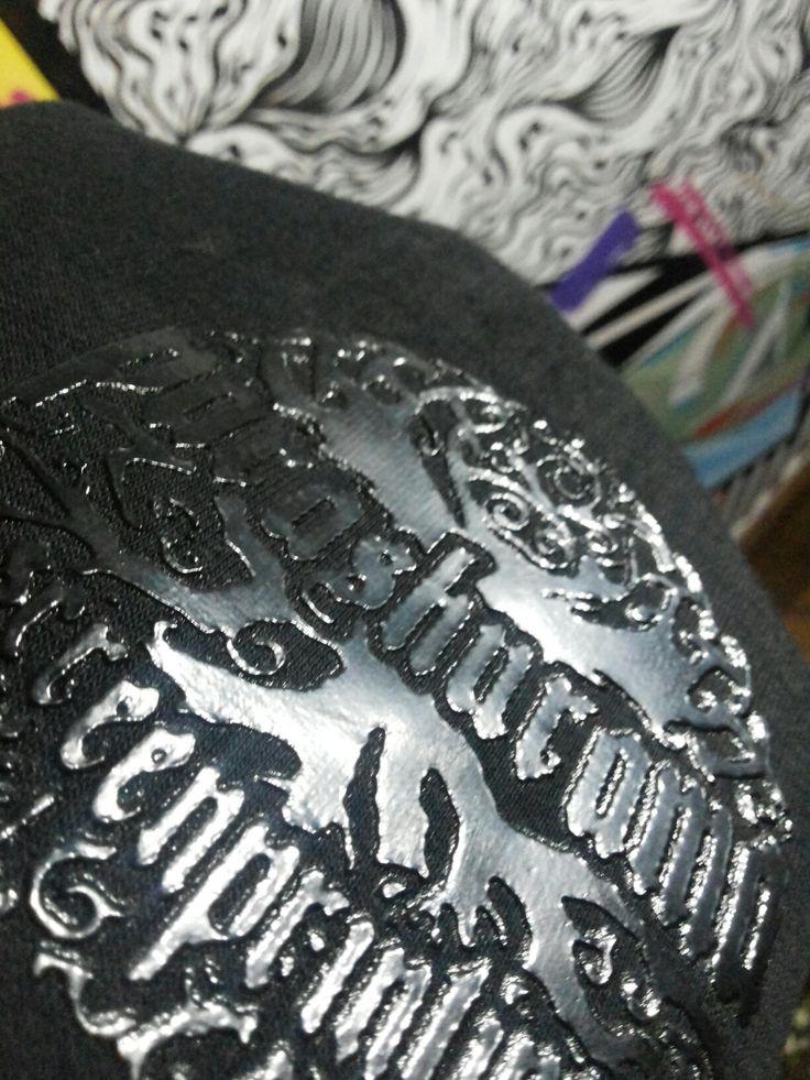 Proof Black on black Plastisol black  #sablon #pspsablon #parashurama #parashuramascreenprinting #sablonparashurama #pspscreenprinting #sablonplastisol #sablonkaos #sablonmanual #screenprinting #cetaksaring #riauprinting #indonesia #vendorsablonkaos #vendorsablon #klaten #sablonklaten #proofing #printmaking #printing #serigrafia #telolet #omteloletom