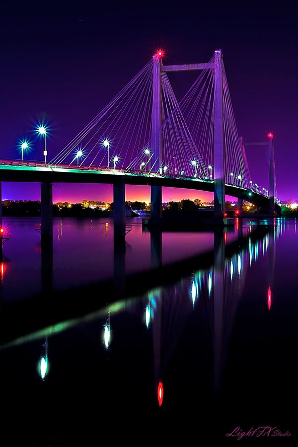 Cable Bridge, Kennewick, WA - ©Steven Lamar (via 500px)