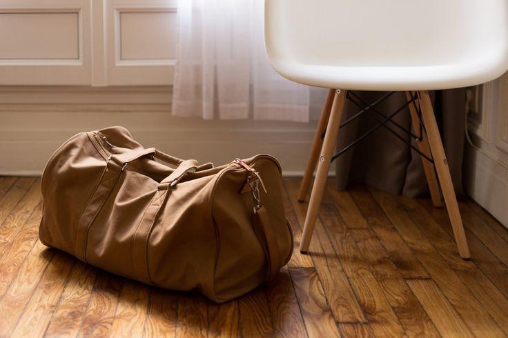 Reisen mit Handgepäck: Mit ein paar Tricks und den richtigen Gadgets passt alles den Handgepäckbestimmungen entsprechend in den Koffer.