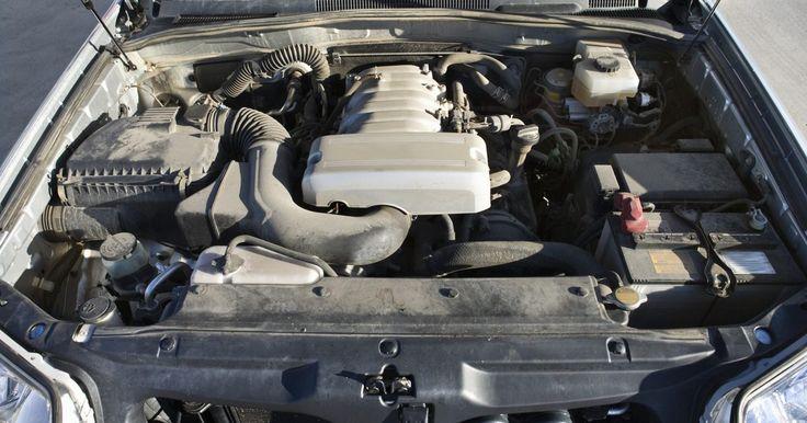 Especificaciones del motor Mopar 440. El motor Mopar 440 fue una planta de energía de alto rendimiento producido para los vehículos Chrysler, Dodge y Plymouth. Introducido en 1966, alcanzó el éxito en la calle y la pista de carreras. El Mopar (partes de automóviles de Chrysler y la división de ingeniería) ha sido constantemente modificado y ajustado el motor sobre su producción, pero ...