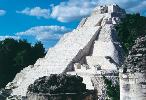 Zona arqueológica de Becán. The archaeological area of Becan, #Campeche. #Mexico.