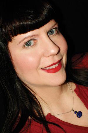Spotlight Focus- # FF Follow Friday - Lisa Marie Selow