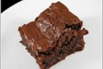 Sugar Free Brownies 1 3/4 cup all purpose flour 2 cups Splenda 1/2 cup baking cocoa 5 eggs 1 cup vegetable oil 1 tsp. vanilla 1 tsp. salt 1 cup sugar free chocolate chips  Combine everything except the chocolate chips. Beat until smooth. Pour into greased 9x13 baking pan. Sprinkle with sugar free chocolate chips. Bake 350 for 30 min or til a toothpick inserted in center comes out clean. Cool in pan.