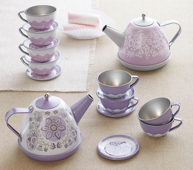 About this photo gallery, we choose carefully, in many different models, we share with you the most beautiful tea sets.