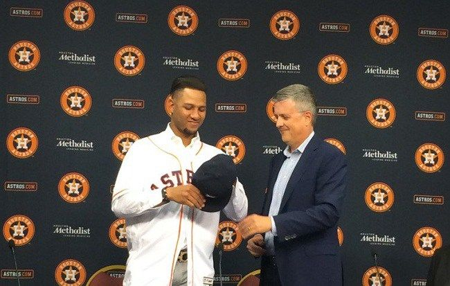 Astros de Houston presentan al cubano Yulieski Gurriel