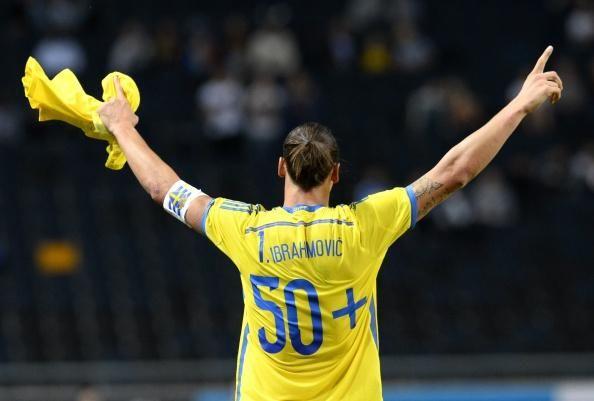 Le coup de coude de Zlatan contre l'Autriche (vidéo) - http://www.actusports.fr/117567/coup-coude-zlatan-contre-lautriche-video/