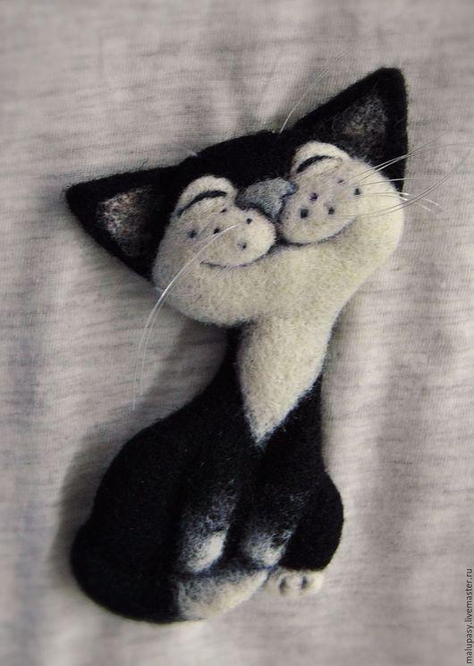 """Броши ручной работы. Ярмарка Мастеров - ручная работа. Купить Валяная брошь """"Кот Максимилиан"""". Handmade. Чёрно-белый"""