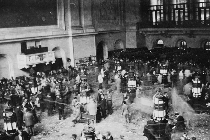 #Media #Oligarchs #MegaBanks vs #Union #Occupy #BLM #Humanity  How Has the Dow Changed Over the Past 120 Years?   http://blogs.wsj.com/briefly/2017/01/25/how-has-the-dow-changed-over-the-past-120-years-the-short-answer/   The Dow Jones Industrial Average traded above 20,000 for the first time in its long and storied history Wednesday. The daily swings in the blue-chip index remain the language of financial markets for Main Street investors, and its complexion has evolved alongside the U.S…