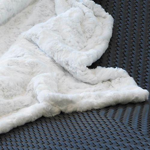 les 25 meilleures id es de la cat gorie couvre lits blancs sur pinterest literie blanche lit. Black Bedroom Furniture Sets. Home Design Ideas