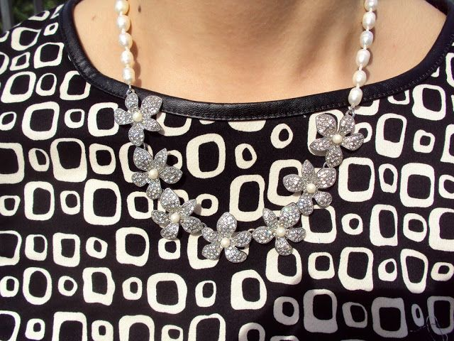 La Borsa di Martina: Black in fall #rosalitamcgee #biltoprintdress #aw15 #executive #black&whitedress #vestidoblancoynegro #b&n #autumnlook #autumndress #vestidootoño #años60 #60slook #modamujer #fashionblogger #italianblogger #dona www.rosalitamcgee.com