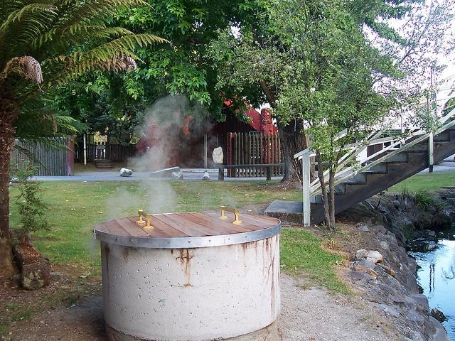 Hangi using a steam bore