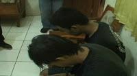 TANGERANG SELATAN,korantangsel.com- Akibat kondisi ekonomi yang kurang mapan, dua tersangka bernama Rafli Ferdiansyah dan Bryan Hari Prayogo dibekuk oleh pihak kepolisian Pamulang (12/6), saat menjambret sepeda motor seorang wanita yang masih duduk dibangku sekolah mengengah pertama (SMP) di wilayah Pamulang, Kota Tangerang Selatan.