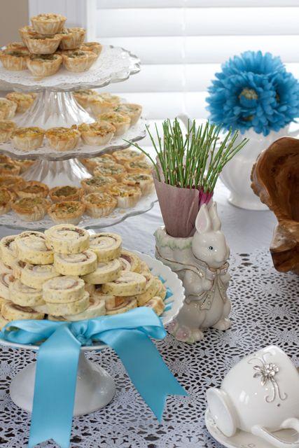 Party Food at an Alice in Wonderland Baby Shower #aliceinwonderland #partyfood