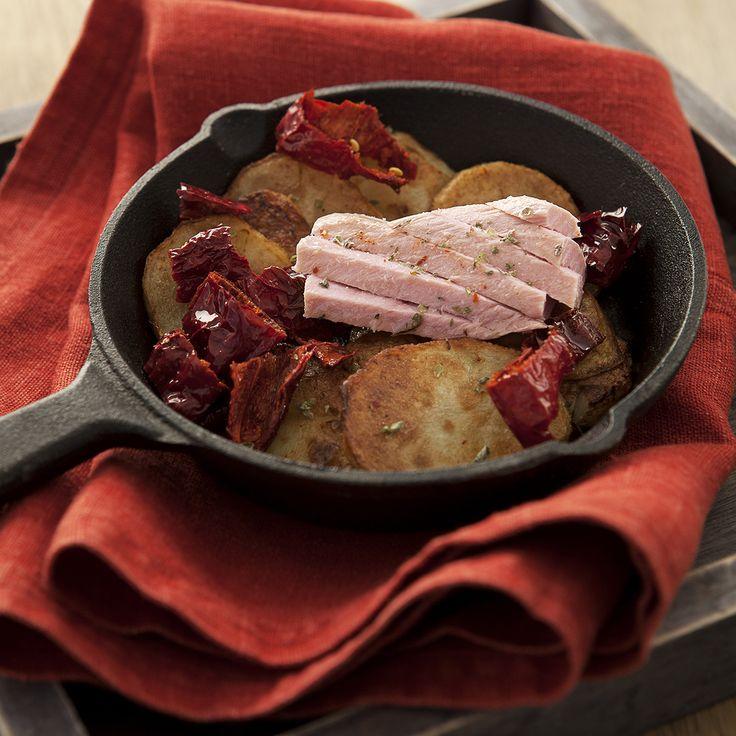 Patate sautè con peperoni cruschi e filetti di tonno