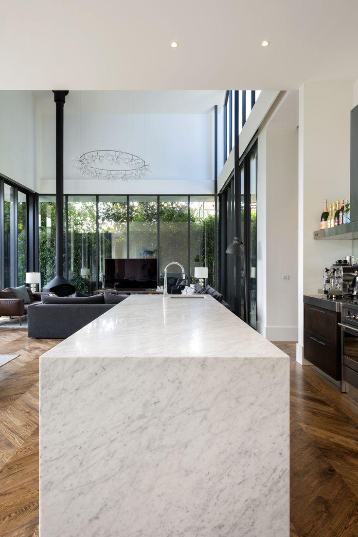 Beautiful Carrara Marble island bench.   @rachellewisphotography  #cdkstone #carrara #marble #carraramarble #naturalstone #naturalbeauty #naturesmasterpiece #kitchendesign #kitcheninspiration #designinspiration