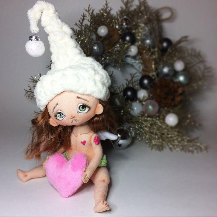 Ну и что, что крылья маленькие, зато сердце большое! Милейший рождественский ангелочек. В симпатичных салатовых трусиках ))) #montreal #quebec #puppies #doll #dolls #travauxdaiguille #couturière #handmade #poupée #canada #artisanale #Christmas #noël #artdoll #artdolls #handmadedoll #Новенькая #святонаближається  #Montreal #Ukrainian #angel #ангел #ange