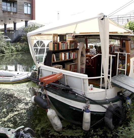 Book barge, London - Inspiring bookshops from around the world